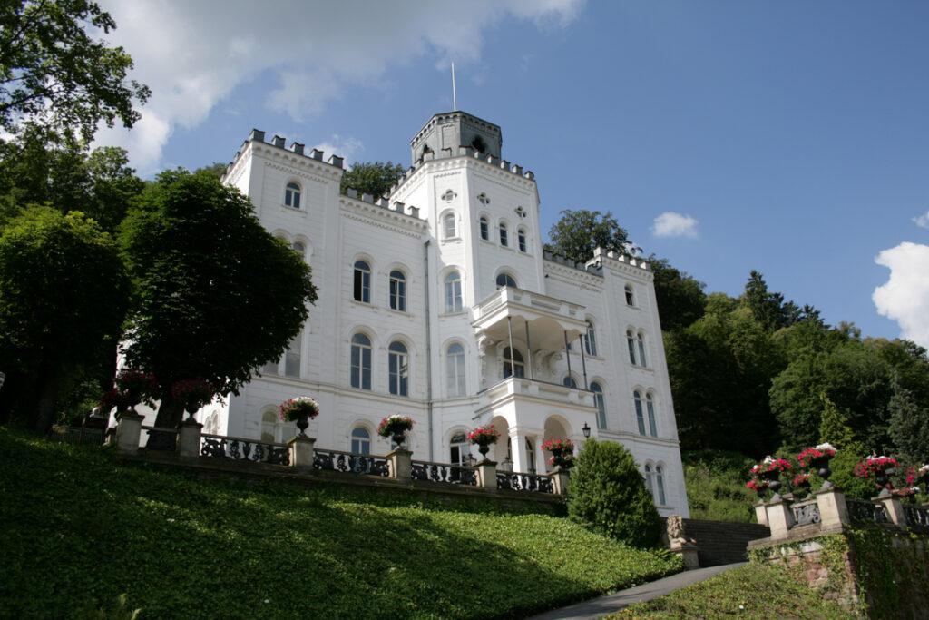 Ein einzigartiger Zusammenschluss. Künstlerhaus Schloss Balmoral künftig Teil der Kunsthochschule Mainz