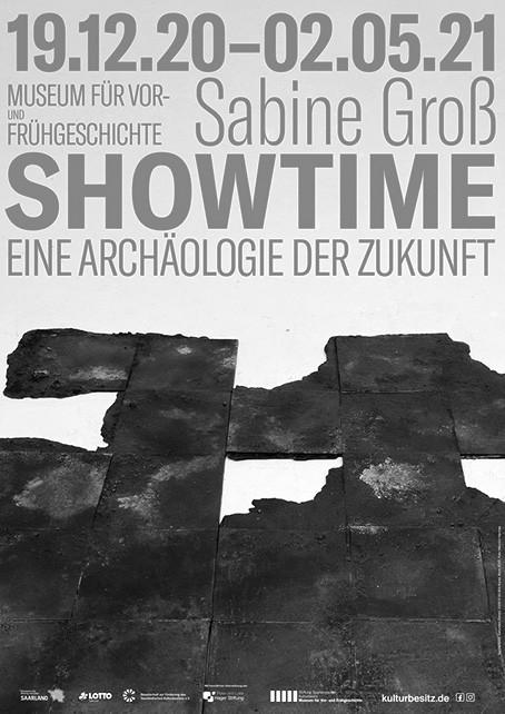 Sabine Groß – SHOW TIME. Eine Archäologie der Zukunft
